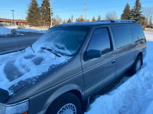 1994 Plymouth Grand Voyager SE