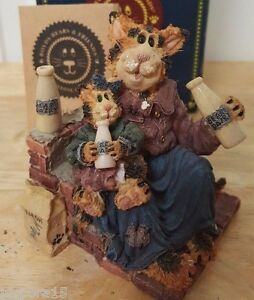 Boyds-Bear-The-Purrstone-Collection-Momma-Craftycat-With-Lil-Sipper-Got-Cream