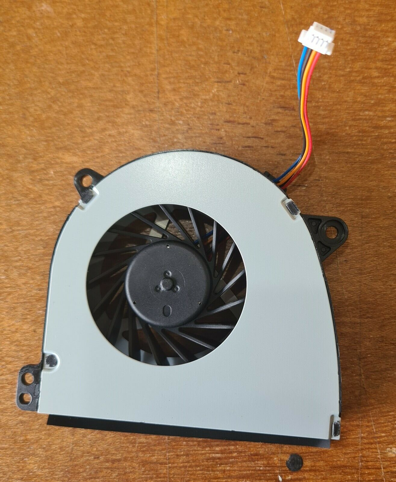 NEW cooler fan for toshiba Tecra A50-a G61C001H110 KDB0605HB CM96 DA28 G61C0001H
