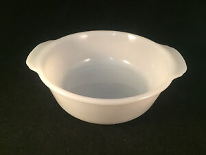 White-Anchor-Hocking-Fire-King-2QT-Casserole-Oven-Dish