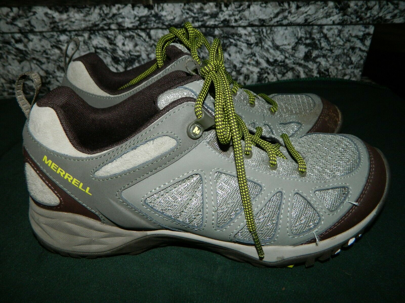MERRELL  Women's Sz 8.5  Siren Sport  Q2  Hiking shoes in Mint Condition  60% off