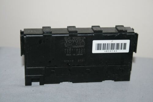 Toyota Corolla Matrix Yaris Prius relay B integration module 82641-47010