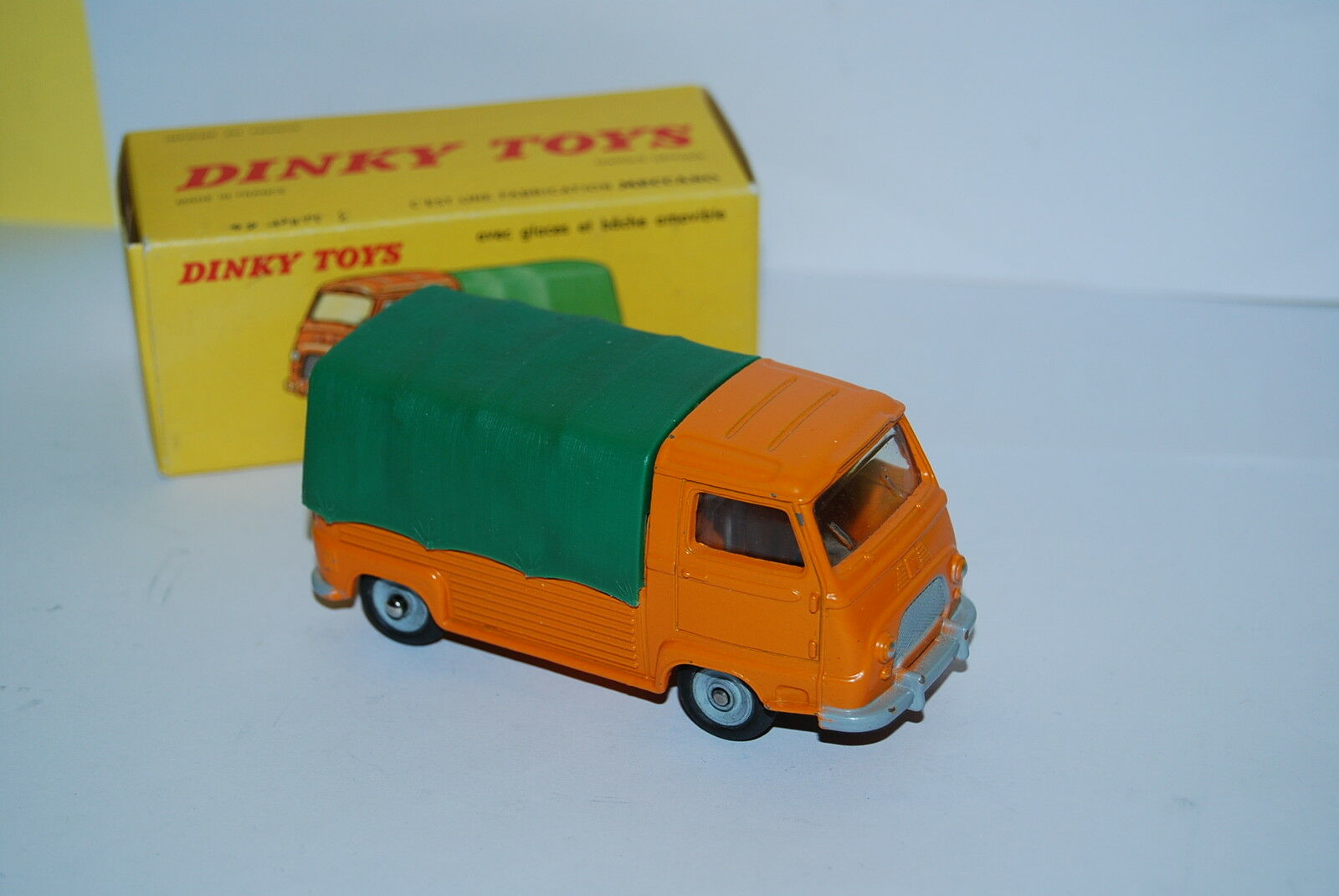 DINKY ESTAFETTE RENAULT PICK-UP BACHE EN BOITE REF 563 D'ORIGINE SCALE 1 43