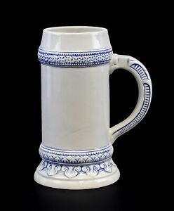 9959510-Porzellan-Bierkrug-weiss-blau-Ens-1l-H21cm