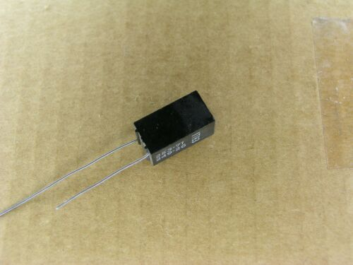 2 Pc Lot 0.0249 mfd 100 volt 100V 1 /% radial polystyrene capacitor S00774-162