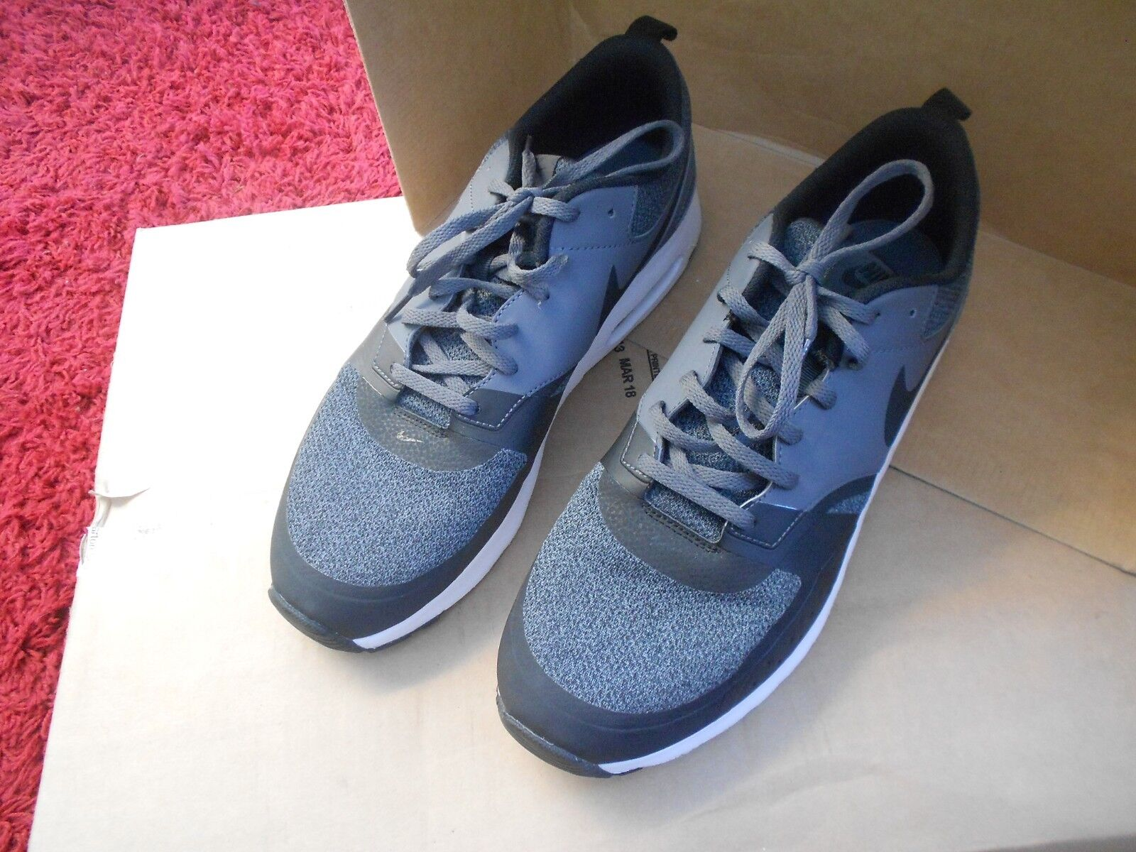 NIKE AIR MAX VISION SE  TRAINERS UK Größe 11 - HARDLY USED