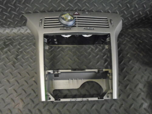 1 of 1 - 2006 VAUXHALL ASTRA 1.3 CDTi 16V MK5 5DR CENTRE CONSOLE VENTS & HAZARD SWITCH