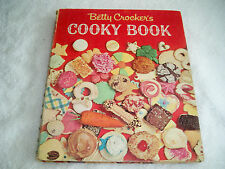 Vintage Betty Crocker Cooky Book 1963 First Edition First Printing Spiral Cookie