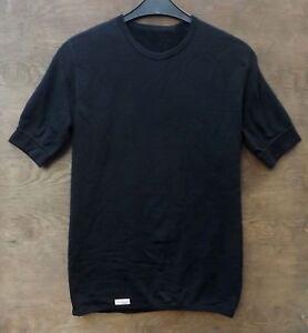 Woolpower-t-shirt-200-rundhalshemd-Noir-Manches-Courtes-Shirt