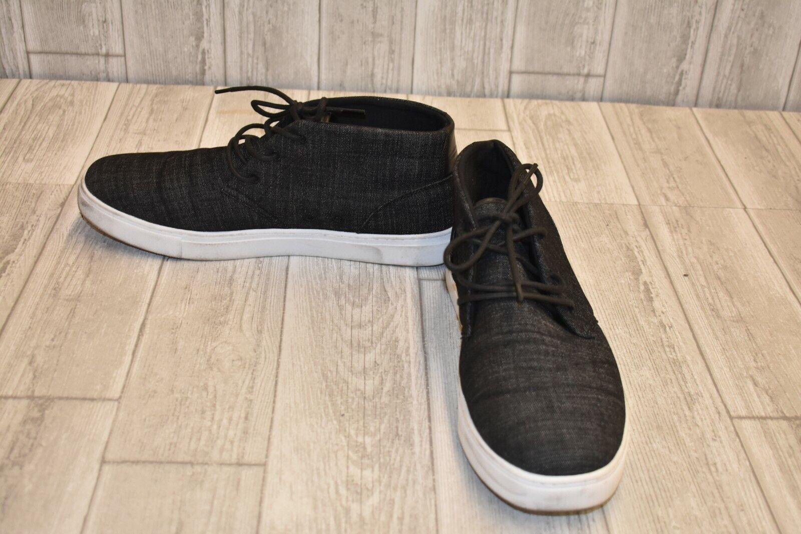 +Andrew Marc Wythe Chukka Sneaker - Men's Size 13, Black