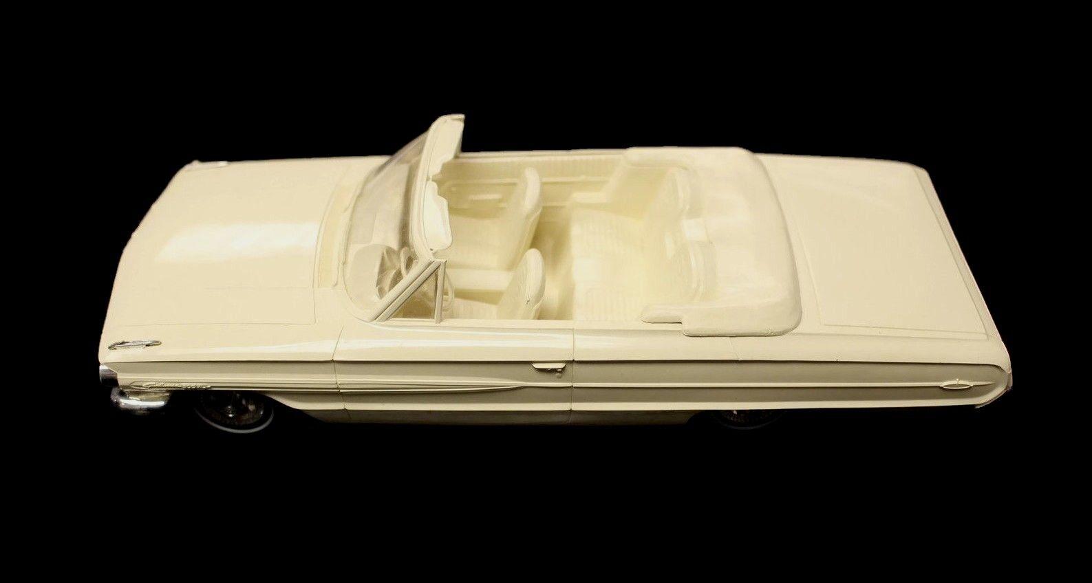 Vintage 1964 Ford Galaxie Sunliner Congreenible AMT Dealer Promo Model Car