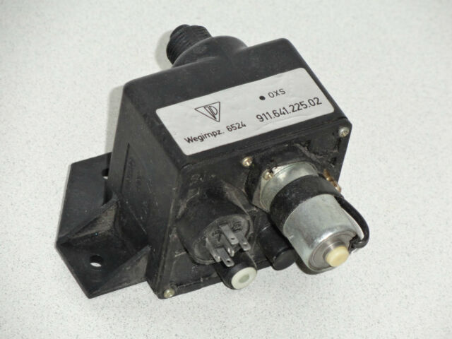 USED ORIGINAL PORSCHE 911 OXS EMMISSION COUNTER MODULE RELAY