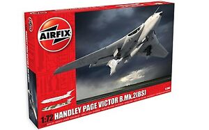 Airfix-1-72-Handley-Page-Victor-B-2-with-Blue-Steel-Missile-A12008