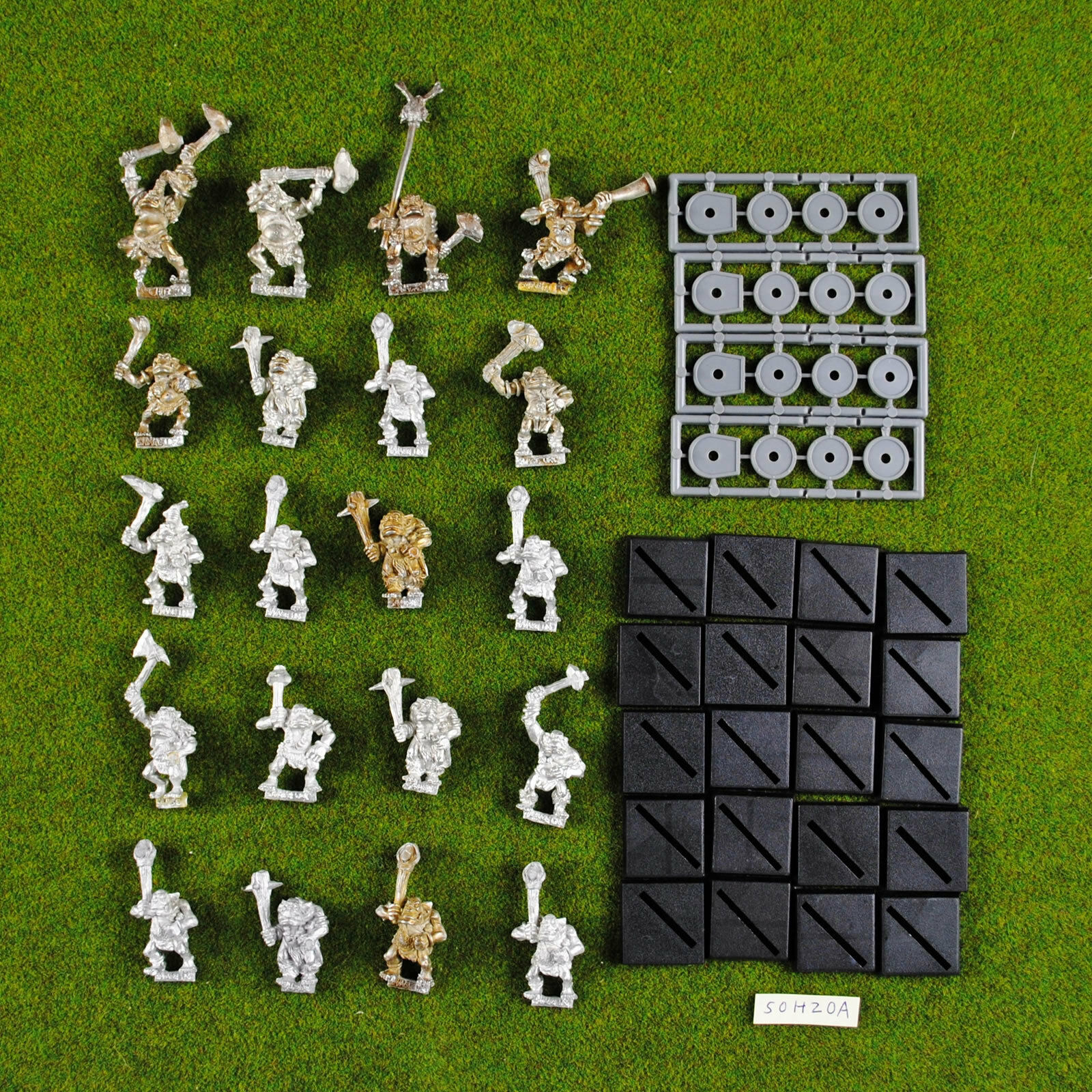 Warhammer Savage Orcs (x20 including Command ) Metal - OOP - Classic Citadel Orc