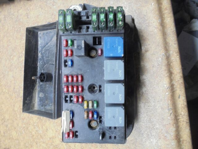 1999 Saturn Sc2 Fuse Box Block Under Hood Engine Compartment Electrical Relay 99
