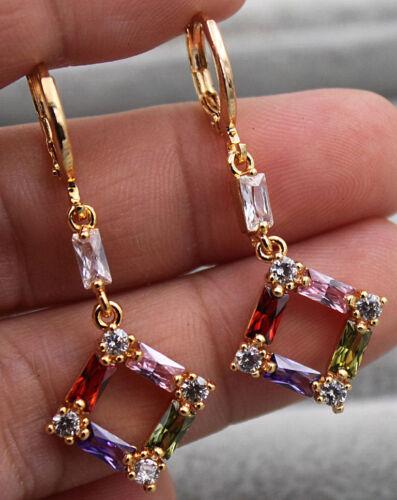 18K or jaune rempli Multi-Color Topaz Zircon Géométrique Triangle Boucles d/'oreilles Clou