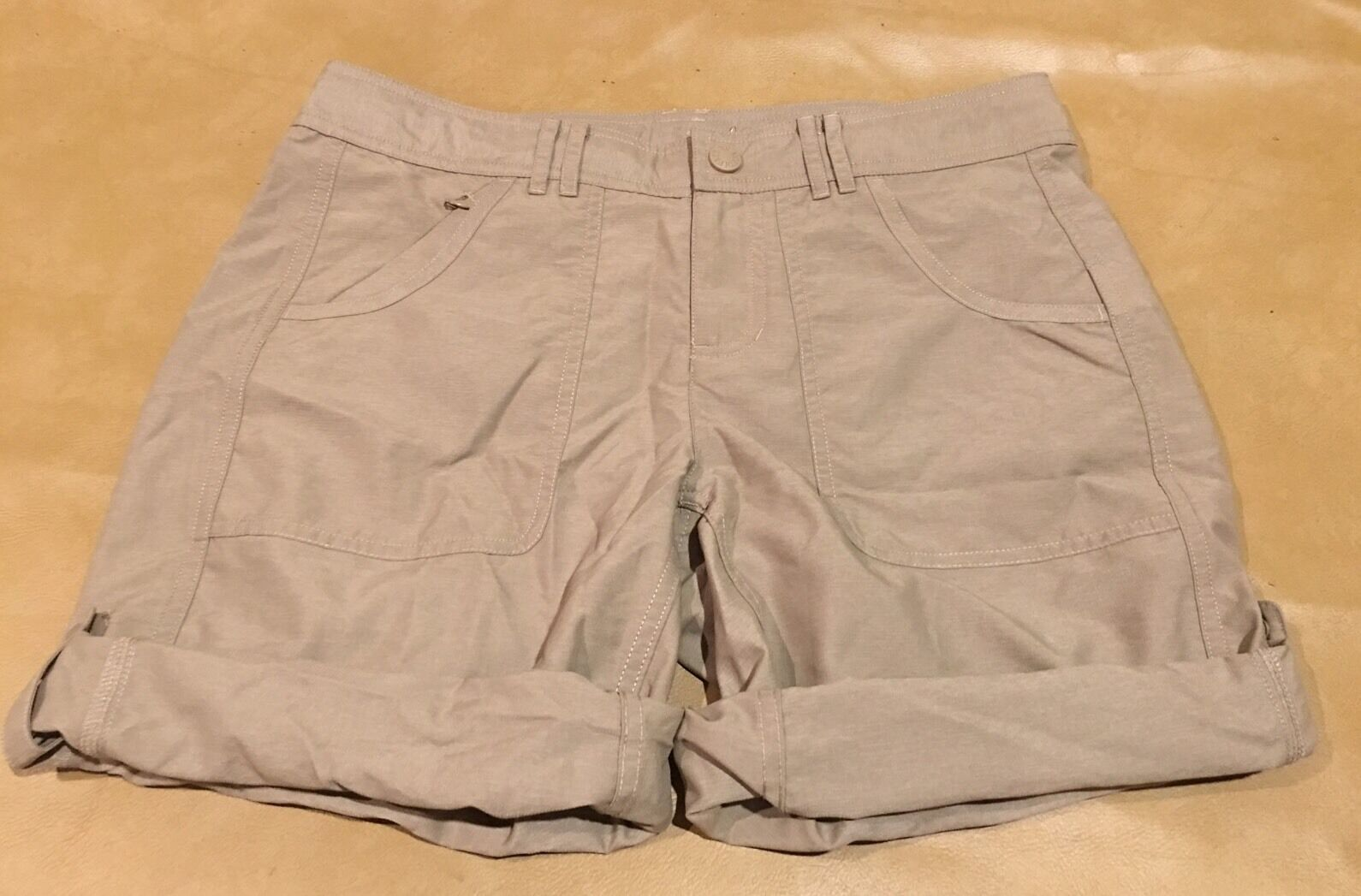 NWT The North Face Women Shorts Beige Roll Up Outdoor Hike New Size 6