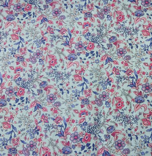 Passion Flower Sky 100/% Cotton Poplin Floral bunting quilting Dress Craft Fabric