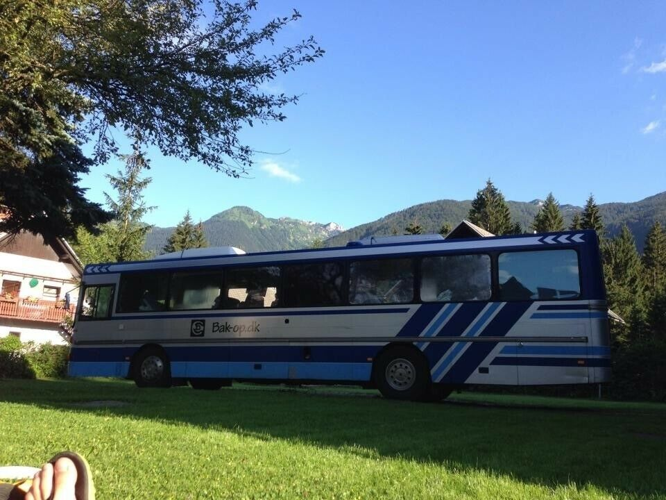 Tur- Camping- Festival- Band- Motorsport-bus