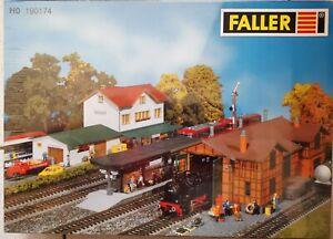 Faller-H0-190174-Bahnhof-Hochdorf-Lokschuppen-Bausatz-NEU-OVP-versiegelt