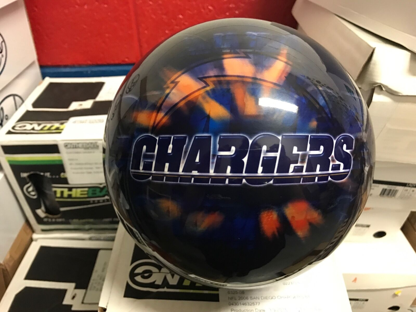 New NFL San Diego Chargers 6Bowling Ball 1st Quality