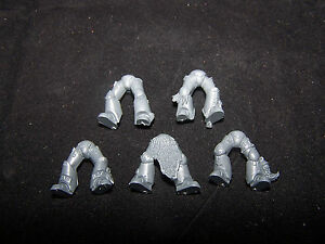 5-Space-Marine-Space-Wolves-Legs-bits
