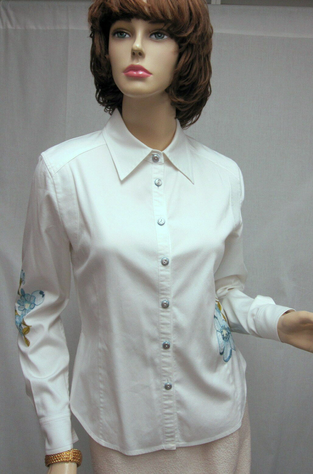 St John Knit SPORT NWOT White bluee Embroidery Long Sleeve Blouse Shirt SZ P