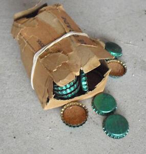 BIG-Lot-of-70-Vintage-Unused-Green-Metal-and-Cork-Bottle-Caps