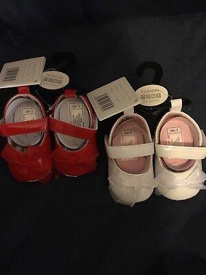 Zapatos de Bebé Niñas paciente Blanco o Rojo Zapatos 0-6 & 6-12 mths Arco de la cinta con Cochecito
