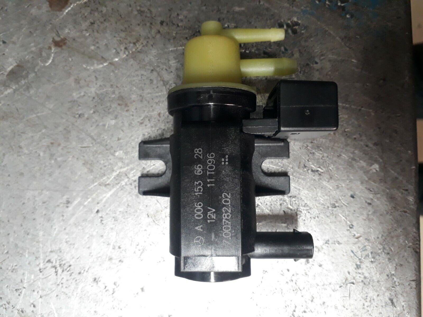 /> il 1.5 1.6 1.8 2.0 2.2 C117 X117 Il tappo del radiatore di espansione per Mercedes CLA 13