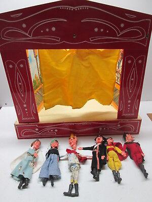 Vecchio Teatrino In Legno Con Marionette In Plastica E Stoffa Piccoli Restauri Conveniente Da Cucinare