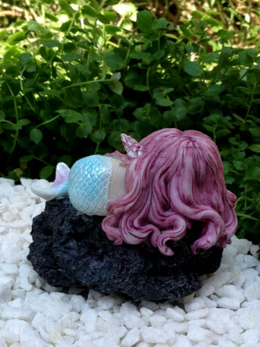 Miniature Figurine FAIRY GARDEN ~ Sleeping Little Mermaid on Rock ~ NEW