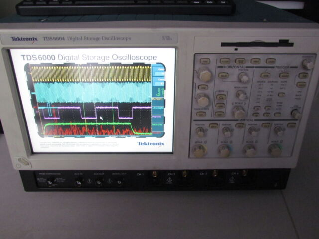 Tektronix TDS6604 4 Ch, 6 GHz, 20GS/s Digital Oscilloscope