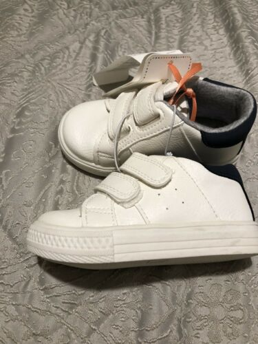 Boys Mothercare White Trainers With Navy Blue Heel Size 2 Bnwt £15