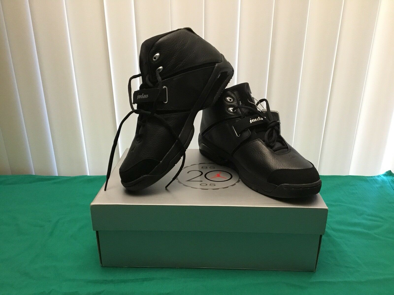 Jordan Team Reign NEGRO METALIZADO PLATA negro argment tamaño 11.5 Zapatos 311833-001