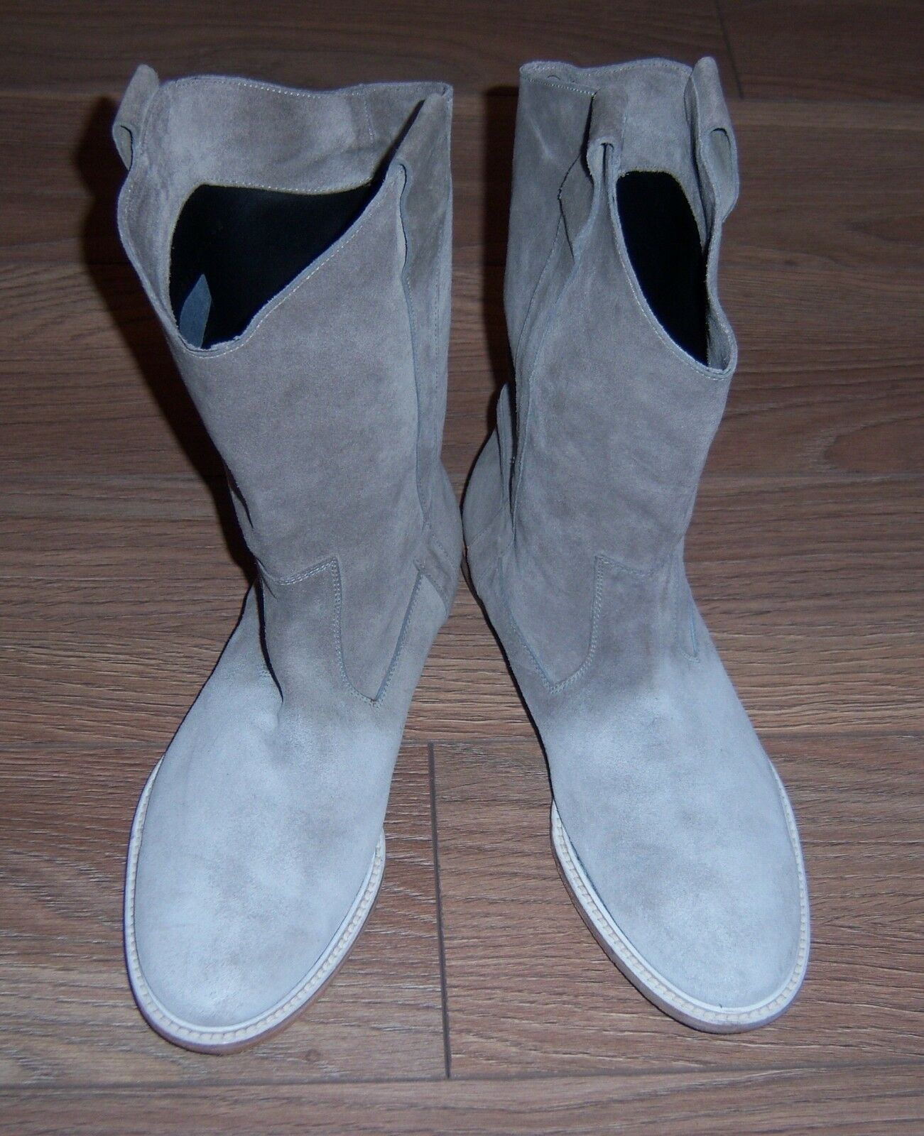 Perfect  HUGO BOSS long grey suede boots Size 42 Made in ITALY