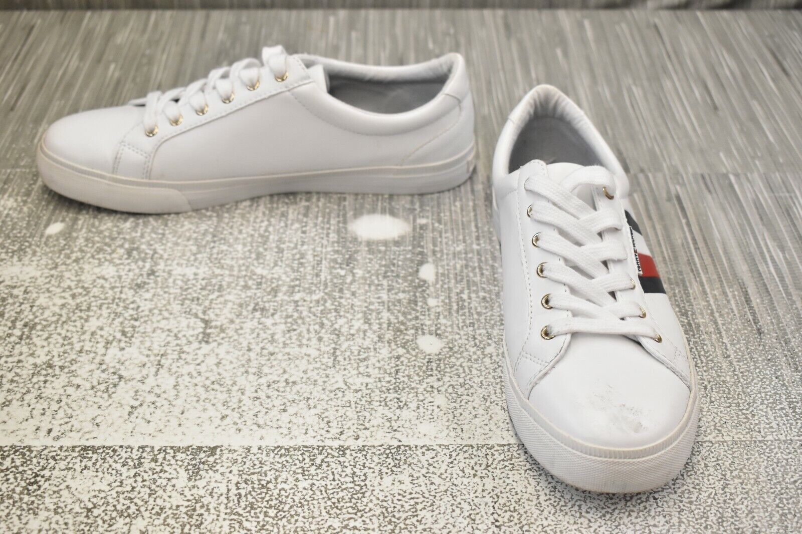 Tommy Hilfiger Lightz Casual Comfort Lace Up Shoes, Women's Size 11M, White