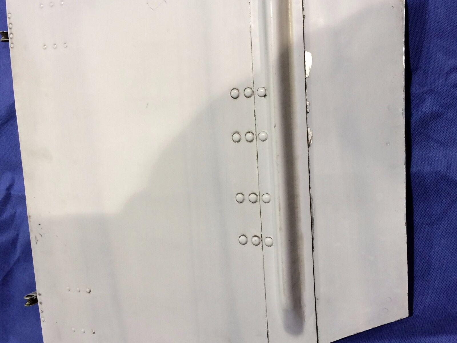 Beech Baron 58 LH Otbd Main Gear Door 35-815055-214 P/n 35-815055-214 Door & 35-815055-68 (0916-09) 2f1f7d