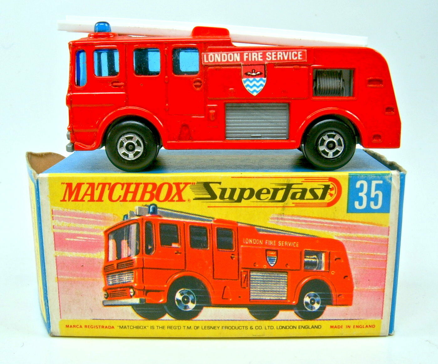 Matchbox SF nº 35a Merryweather Fire Engine rojo anchura 5 spoke ruedas en Box
