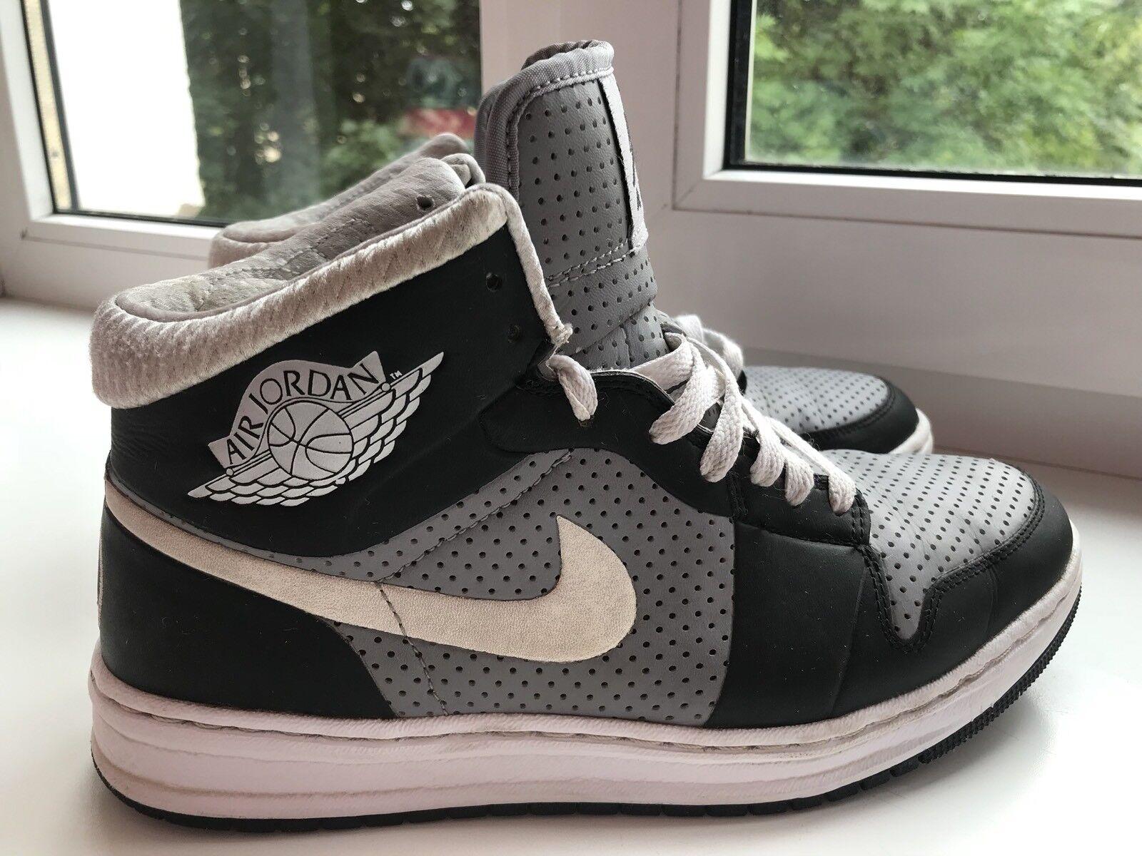 Nike Air Jordan 1 retro nuovo con scatola, misura Eu 40 Scarpe classiche da uomo