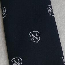 Vintage Tie Crest Emblema Motivo Azul Marino Blanco Hecho en Australia por Tee Dee 1970s
