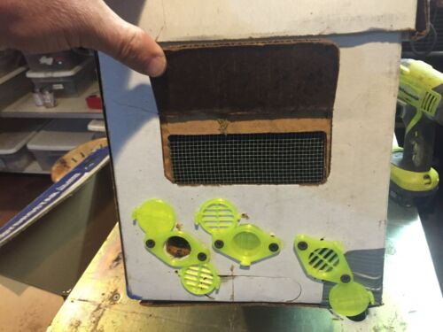 Temporary queen bee excluder for top bar hive or swarm capture box