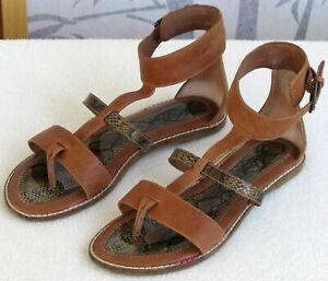7-5-M-Lucky-Brand-Women-Brown-Leather-Snakeskin-Open-Toe-Flat-Gladiator-Sandal