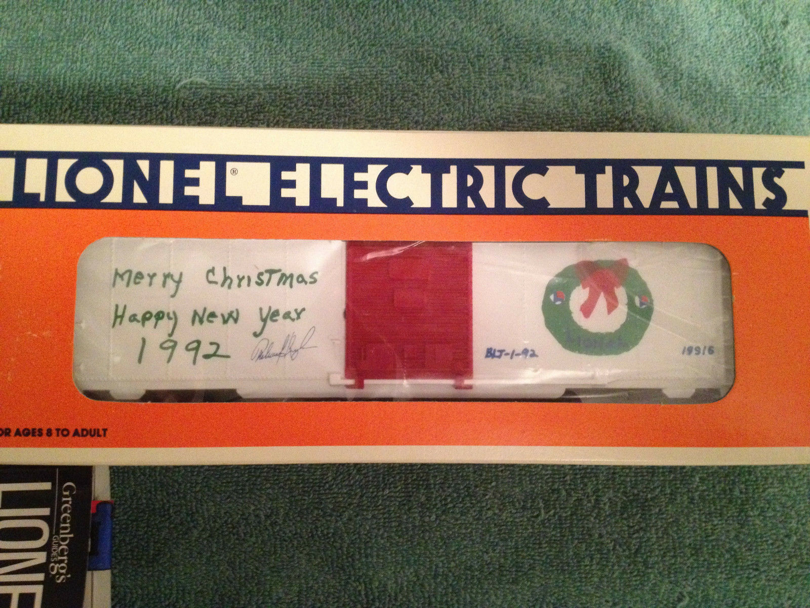 Lionel 1992 EMPLOYEE Christmas Car in MINT Condition...VERY VERY RARE