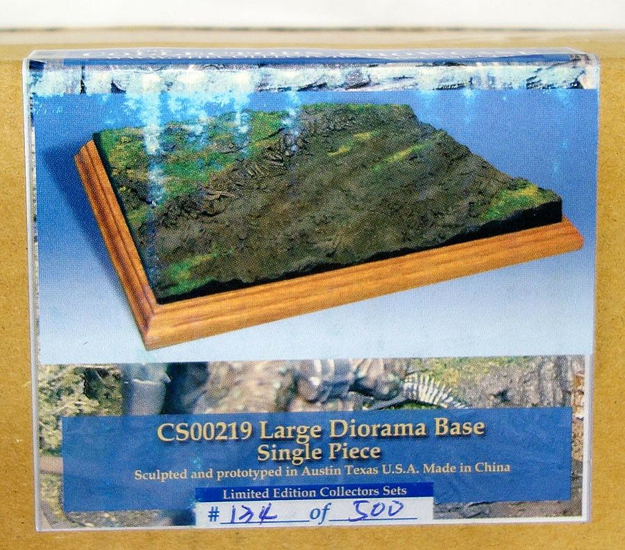 Collectors Showcase Large Diorama Base w  Muddy & Grassy Terrain CS00219 MIB