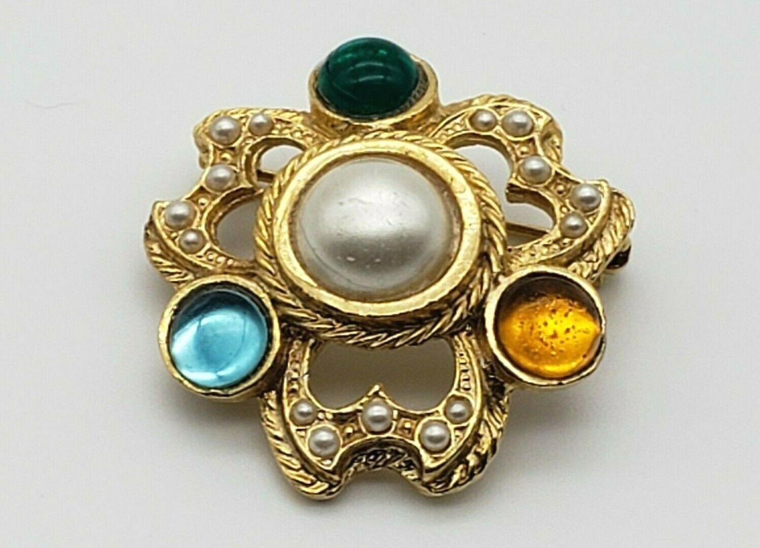 Vintage Rhinestone Faux Pearl Cabochon Brooch Pin… - image 8