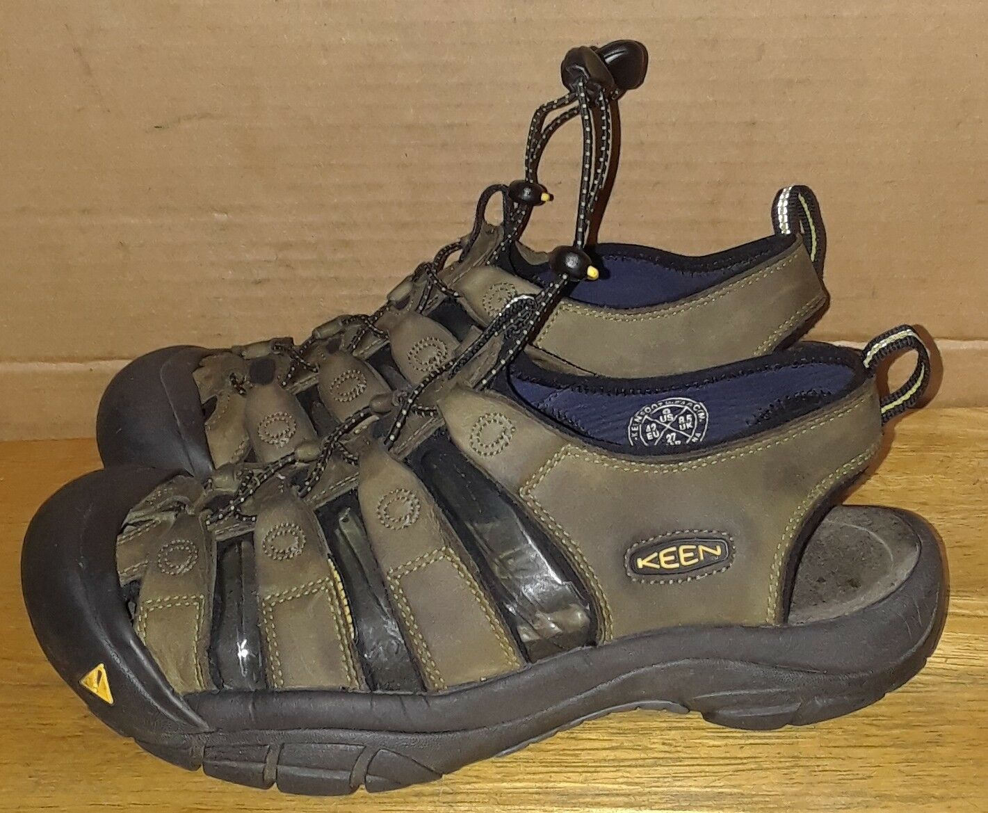 Keen Newport H2 Green Leather Men's Sandals Sandals Sandals Size 9 Hiking Outdoor Walking 78264b