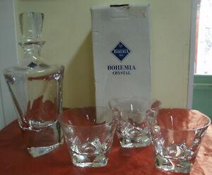 SET-Bottiglia-con-Box-Scatola-Tre-Bicchieri-BOHEMIA-CRYSTAL-24-PbO