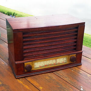 A-Restored-1946-Admiral-Model-6T04-5B1-Radio-See-The-Video