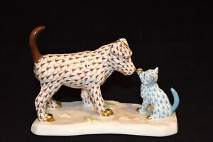 HEREND, DOG & CAT PLAYING FIGURINE, CHOCOLATE & TURQUOISE